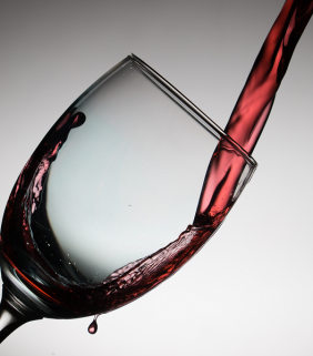 Le vin (ici du rouge) est la 7e boisson la plus consommée dans le monde