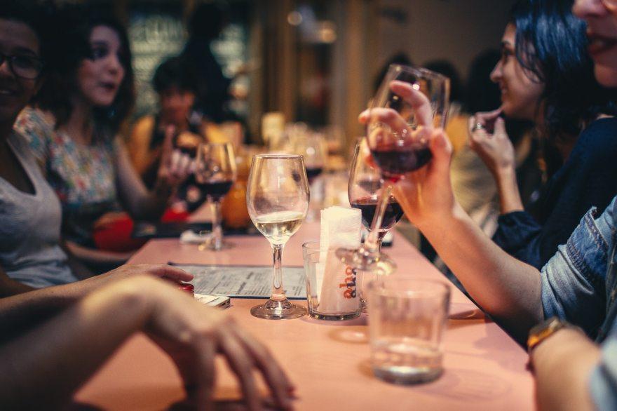 Partage et échanges autour d'un repas